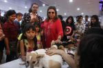 Farah Khan at pet adoption in Mumbai on 27th Nov 2016 (21)_583bdc2eb4364.jpg