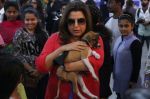 Farah Khan at pet adoption in Mumbai on 27th Nov 2016 (24)_583bdc319e203.jpg