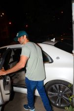 Hrithik Roshan snapped leaving recording studio on 27th Nov 2016 (2)_583bd67eb807a.JPG