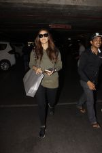 Neha Dhupia snapped at airport on 27th Nov 2016 (16)_583bd5f0dfb51.JPG