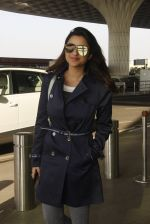 Parineeti Chopra snapped at airport on 27th Nov 2016 (37)_583bd666e634b.JPG