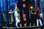 Ranveer Singh on the sets of Super Dancer on 27th Nov 2016 (9)_583bde20f0d5b.jpg
