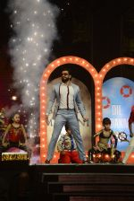 Ranveer Singh on the sets of Super Dancer on 27th Nov 2016 (89)_583bde3e080a2.JPG