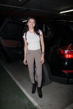 Sherlyn Chopra snapped at airport on 27th Nov 2016 (25)_583bd6c33b1b9.JPG