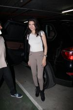 Sherlyn Chopra snapped at airport on 27th Nov 2016 (27)_583bd6c45b762.JPG