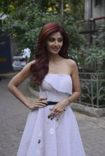 Shilpa Shetty on the sets of Super Dancer on 27th Nov 2016 (40)_583bddcd9f713.JPG