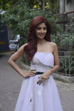Shilpa Shetty on the sets of Super Dancer on 27th Nov 2016 (41)_583bddce4b264.JPG