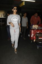 Sonal Chauhan snapped at Airport on 27th Nov 2016 (26)_583bce79ebb15.JPG