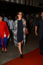 Kangana Ranaut snapped at airport on 28th Nov 2016 (32)_583d295417ce1.JPG