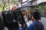 Shahid Kapoor, Mira Rajput snapped in Mumbai on 28th Nov 2016 (1)_583d18be1a8c4.jpg