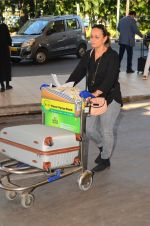 Soni Razdan snapped at airport on 28th Nov 2016 (10)_583d296d13f1d.JPG