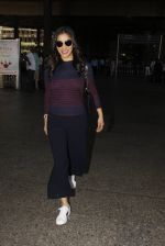Sophie Chaudhary snapped at airport on 28th Nov 2016 (44)_583d2586c6192.JPG