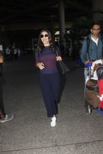 Sophie Chaudhary snapped at airport on 28th Nov 2016 (48)_583d258a195a0.JPG