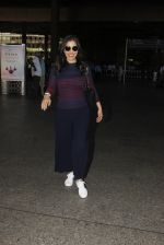 Sophie Chaudhary snapped at airport on 28th Nov 2016 (42)_583d258528e22.JPG
