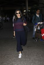 Sophie Chaudhary snapped at airport on 28th Nov 2016 (51)_583d258cc8aa3.JPG