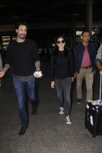 Sunny Leone snapped at airport on 28th Nov 2016 (32)_583d25990f2ef.JPG