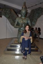 Nita Ambani at Satish Gupta_s art exhibition by Gallery Art N Soul on 29th Nov 2016 (1)_583e7682abb79.JPG