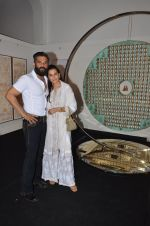 mana and suneil shetty at Satish Gupta_s art exhibition by Gallery Art N Soul on 29th Nov 2016 (4)_583e766af0040.JPG