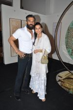 mana and suneil shetty at Satish Gupta_s art exhibition by Gallery Art N Soul on 29th Nov 2016_583e766a22413.JPG