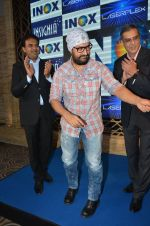Aamir Khan At Launch Of New Inox Cinema on 30th Nov 2016 (25)_583fc92e52ab6.JPG