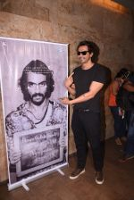 Arjun Rampal watches daddy teaser on 30th Nov 2016 (31)_583fc94d83072.JPG