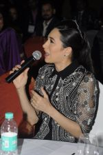 Karisma Kapoor at India Leadership awards on 30th Nov 2016 (26)_583fca6551ba6.JPG
