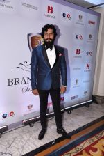 Randeep Hooda at Brand Vision Awards in Mumbai on 30th Nov 2016 (7)_583fc1c394102.JPG