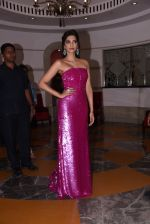 Sonam Kapoor at Brand Vision Awards in Mumbai on 30th Nov 2016 (73)_583fc1f79f96d.JPG