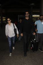 Sunny Leone snapped at airport on 30th Nov 2016 (89)_583fc8fad318a.JPG