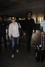 Sunny Leone snapped at airport on 30th Nov 2016 (98)_583fc8ffe626e.JPG