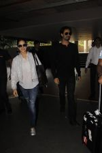 Sunny Leone snapped at airport on 30th Nov 2016 (99)_583fc90076bab.JPG