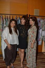 Huma Qureshi at Payal Singhal, Shaheen Abbas, Nisha Jhangiani trunk show on 1st Dec 2016 (299)_58411b2ac7014.JPG