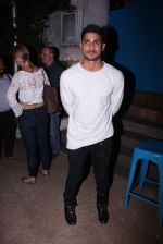 Prateik Babbar at Kunal Rawal_s Party on 30th Nov 2016 (60)_5841073daaa7b.JPG