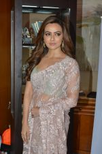 Sana Khan at Payal Singhal, Shaheen Abbas, Nisha Jhangiani trunk show on 1st Dec 2016 (362)_58411bce3d339.JPG