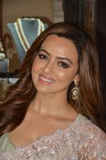 Sana Khan at Payal Singhal, Shaheen Abbas, Nisha Jhangiani trunk show on 1st Dec 2016 (373)_58411c39de5d6.JPG