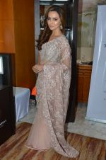 Sana Khan at Payal Singhal, Shaheen Abbas, Nisha Jhangiani trunk show on 1st Dec 2016 (377)_58411bd673d0e.JPG
