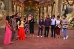 Sanjeev Kapoor, Surveen Chawla and Mudassar Khan grace the stage of COmedy Nights Bachao Taaza  (12)_584114637e760.jpg