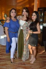 Shaheen Abbas at Payal Singhal, Shaheen Abbas, Nisha Jhangiani trunk show on 1st Dec 2016 (101)_58411be687b7a.JPG