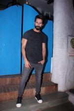 Shahid Kapoor at Kunal Rawal_s Party on 30th Nov 2016 (101)_5841076f4c858.JPG