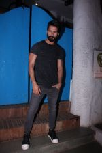 Shahid Kapoor at Kunal Rawal_s Party on 30th Nov 2016 (104)_584107710ec52.JPG