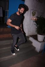 Shahid Kapoor at Kunal Rawal_s Party on 30th Nov 2016 (113)_584107772cadd.JPG