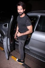 Shahid Kapoor at Kunal Rawal_s Party on 30th Nov 2016 (114)_58410777d65ec.JPG