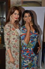 Sonali Kulkarni at Payal Singhal, Shaheen Abbas, Nisha Jhangiani trunk show on 1st Dec 2016 (200)_58411c128237c.JPG