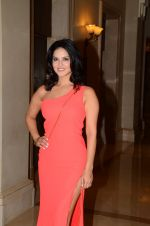 Sunny Leone Launches Her Own MOBILE APP For Fans on 30th Nov 2016 (9)_584107812683f.JPG