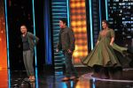 Vidya Balan & Sujoy Ghosh on ZEE TV_s Yaaron Ki Baraat on 1st Dec 2016 (10)_584114cccfcde.JPG