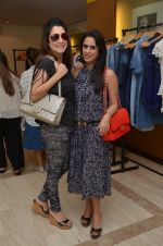 at Love Generation fashion preview at Liquid Lounge on 2nd Dec 2016 (87)_584238b3491d8.JPG