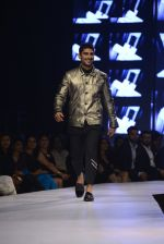 Pateik Babbar at GQ fashion nights on 3rd Dec 2016 (336)_58450f7a41016.JPG