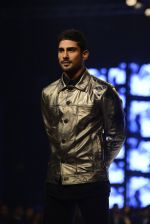 Pateik Babbar at GQ fashion nights on 3rd Dec 2016 (339)_58450f7c08e40.JPG