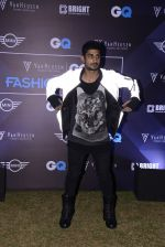 Prateik Babbar at GQ Fashion Night on 4th Dec 2016 (285)_58453594ac0ef.JPG