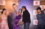 Amitabh Bachchan unveils Himesh Reshammiya & Lulia Vantur_s album Aap Se Mausiiquii on 5th Dec 2016 (119)_584687deea949.jpg